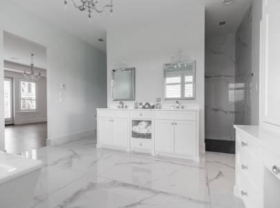 Custom Washroom - Lindan Homes